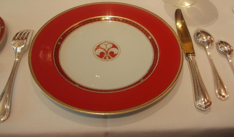 Pa180597_1 & Cha Xiu Bao: Eating in France